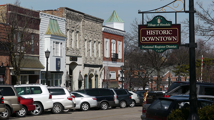 Homes-for-Sale-in-Hinsdale-Illinois-downtown